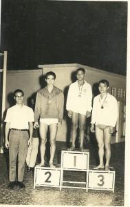 華協主席、華泳聯副主席、那些年、同游泳國手陳耀邦同塲比賽。頒獎嘉賓古敏求 及 契爺 陳震南